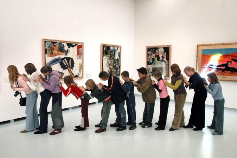 56616 Kind Museum Kunst 2jpg